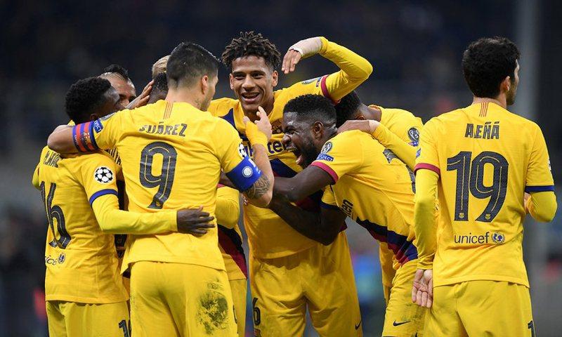 Barcelona nxjerr Interin jashtë Championsit, Valencia eliminon Ajaksin