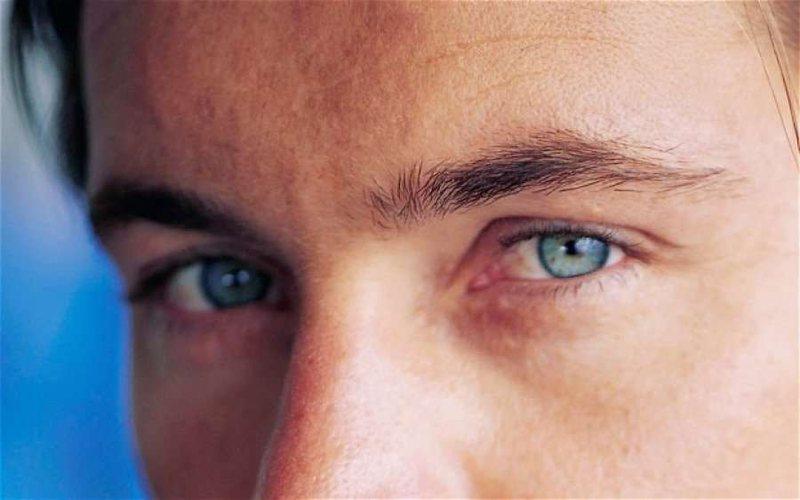 Studimi/ Ngjyra e syve përcakton se cili do të jetë partneri juaj