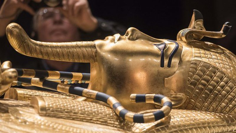 Mallkimi i Faraonit: E nxjerrin nga varri, tani frikësohen për