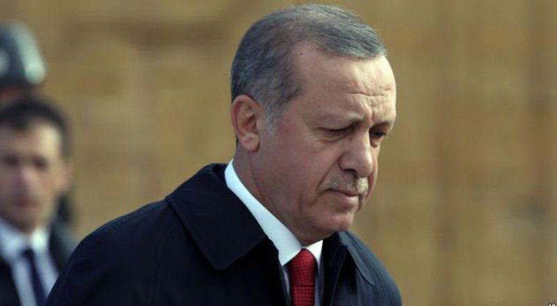 Publikohen pamjet kur puçistët tentuan të arrestonin Erdoganin