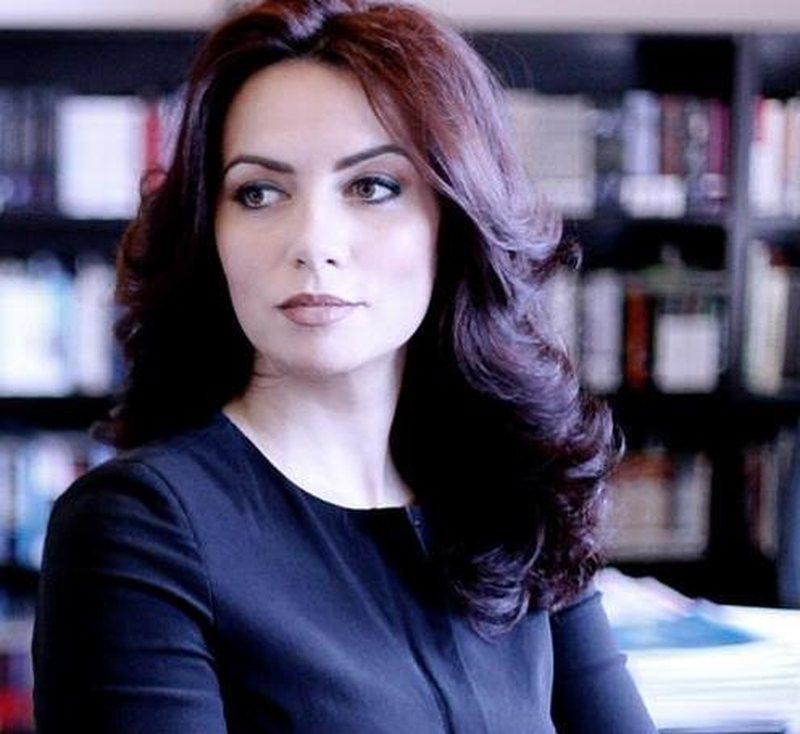 Grida Duma rikthen shpresat te PD-ja, i kërkon divorcin burrit