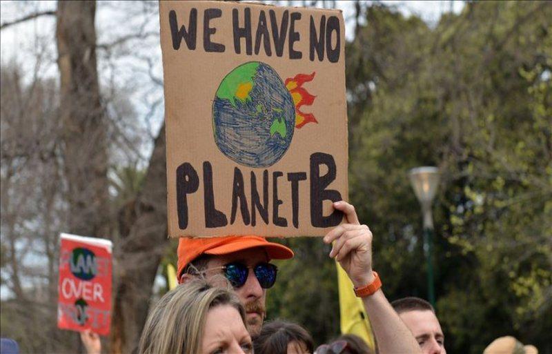 Mbi 30 liderë botërorë nënshkruajnë apelin klimatik