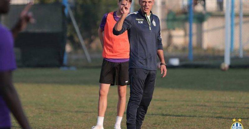 Plas sherri te Tirana/ Dy mbrojtësit debat të fortë me trajnerin