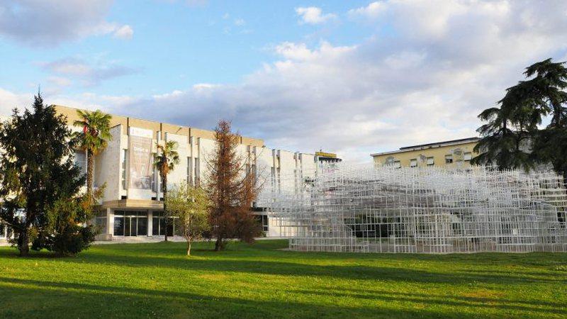 Artistët braktisin GKA pas mbylljes së dyerve nga Shkulolli, nis