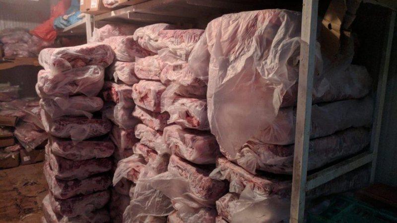 Bllokohen 387 ton mish me origjinë nga Kanadaja, Brazili e Qipro, AKU