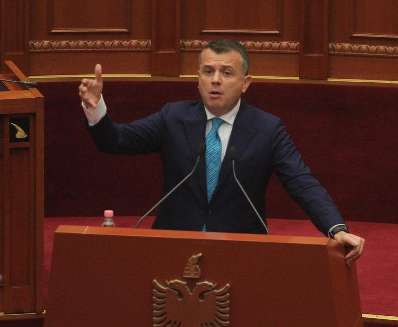 Balla akuza të forta dhëndrit të Berishës: Më