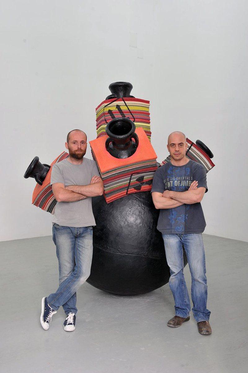 """""""Western Promises"""" me punët e skulptorëve italianë,"""