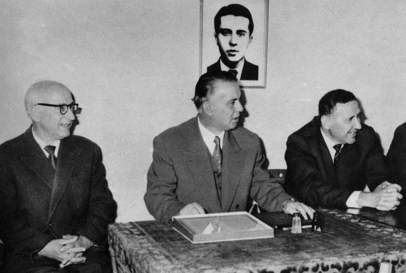 CIA: Bashkimi Sovjetik presion Enver Hoxhës dhe Mehmet Shehut të