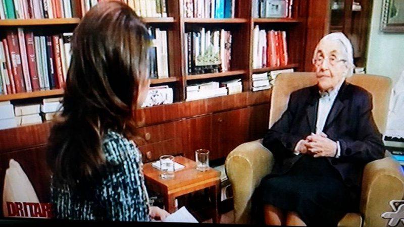 Intervista e Nexhmije Hoxhës shkakton furtunë, kolegët mllef