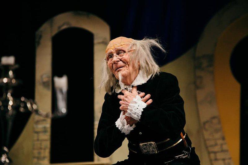 """Festivali i teatrit """"Kadri Roshi"""" nis në Gjirokastër,"""