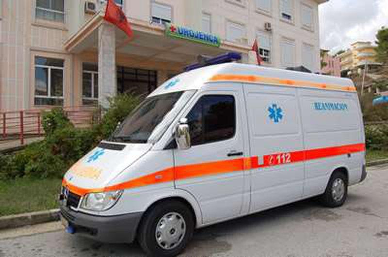 Ngjarje e rëndë në Berat/ Një grua përplaset nga motori