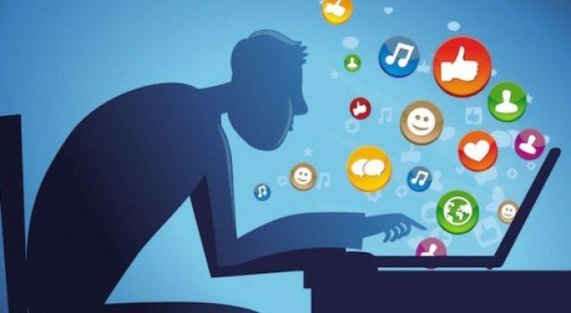 Përdorimi pa limit i rrjeteve sociale, njihuni me problemet mendore që