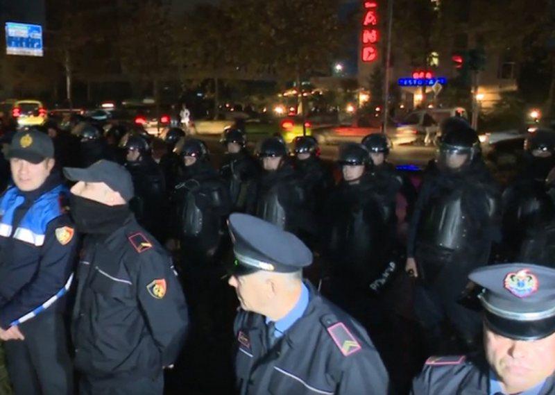 Publikohen emrat/ Kush janë 8 protestuesit e arrestuar në Unazën