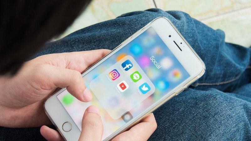 Kaos në rrjetet sociale, bien Instagram, Facebook dhe WhatsApp