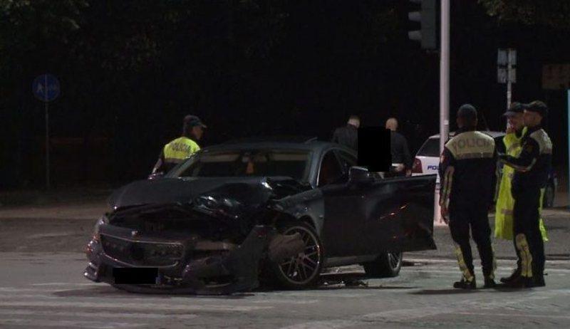 Një tjetër aksident përgjak rrugët e vendit, përplasen