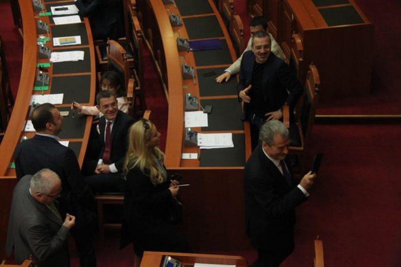 Befason deputeti i opozitës: Kam pranuar të jem i vogël dhe Dashi
