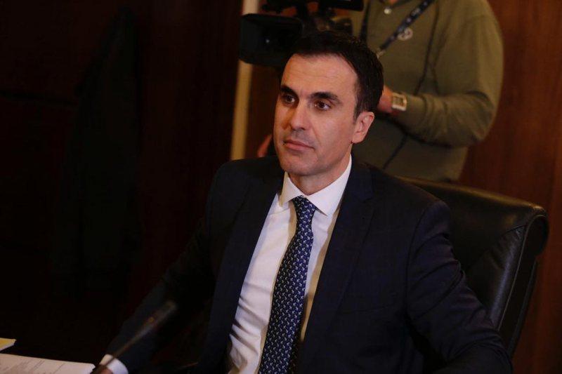 Çështja e bujshme rikthen kryeprokurorin Olsian Çela në