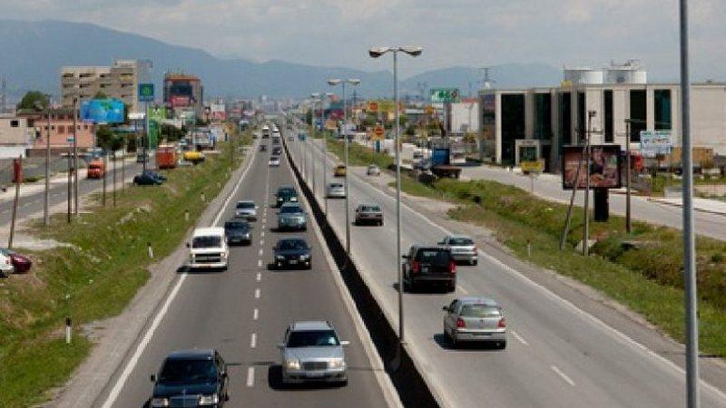 Brenda vjeshtës edhe autostrada Tiranë-Durrës me pagesë,