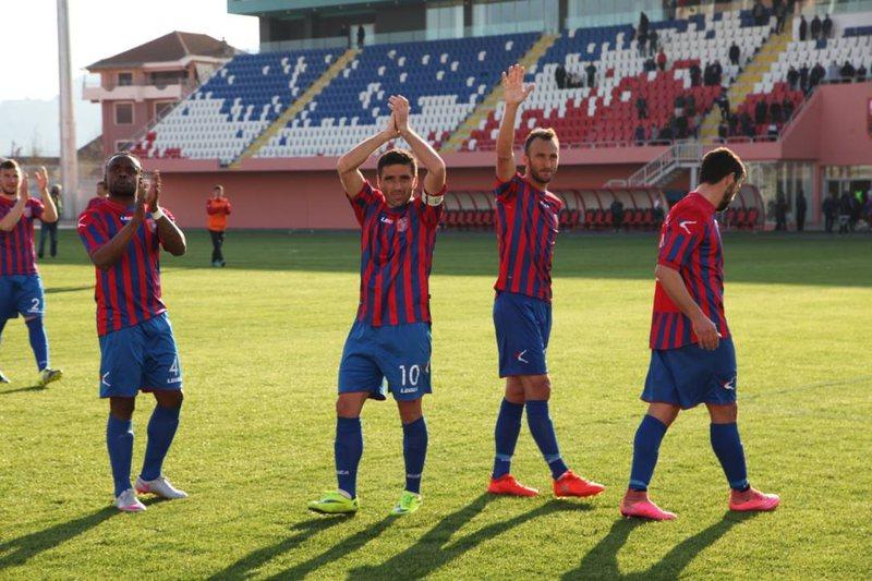Punonjësit e klubit të futbollit të Vllaznisë nisin