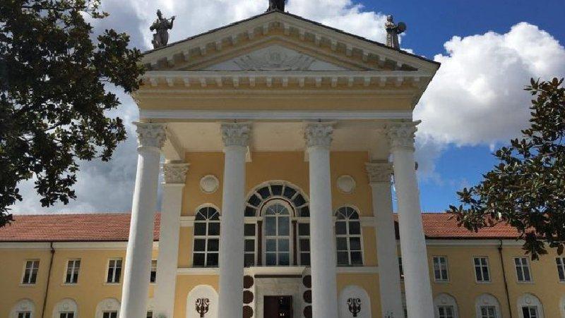 Regjisorët të pakënaqur: Buxheti për projektet e teatrit