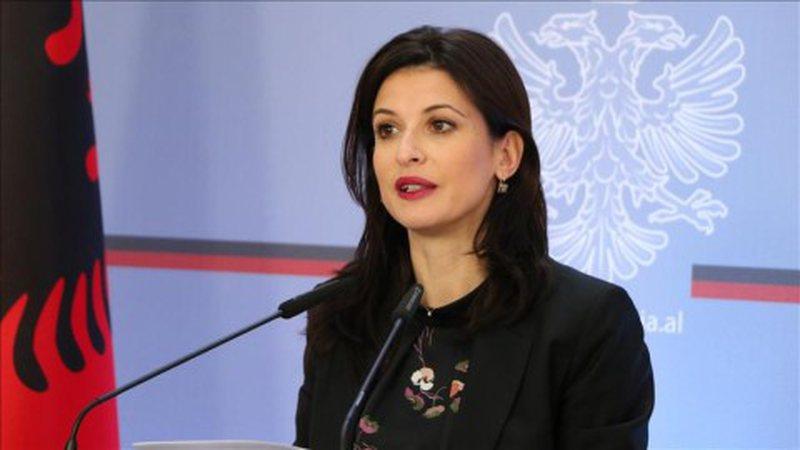 Plasi faturat luksoze të Etilda Gjonajt, gazetari jep paralajmërimin e