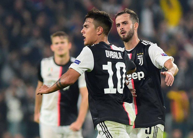 """Reali """"ushton"""" Stambollin, Dibala shpëton nga turpi Juventusin"""
