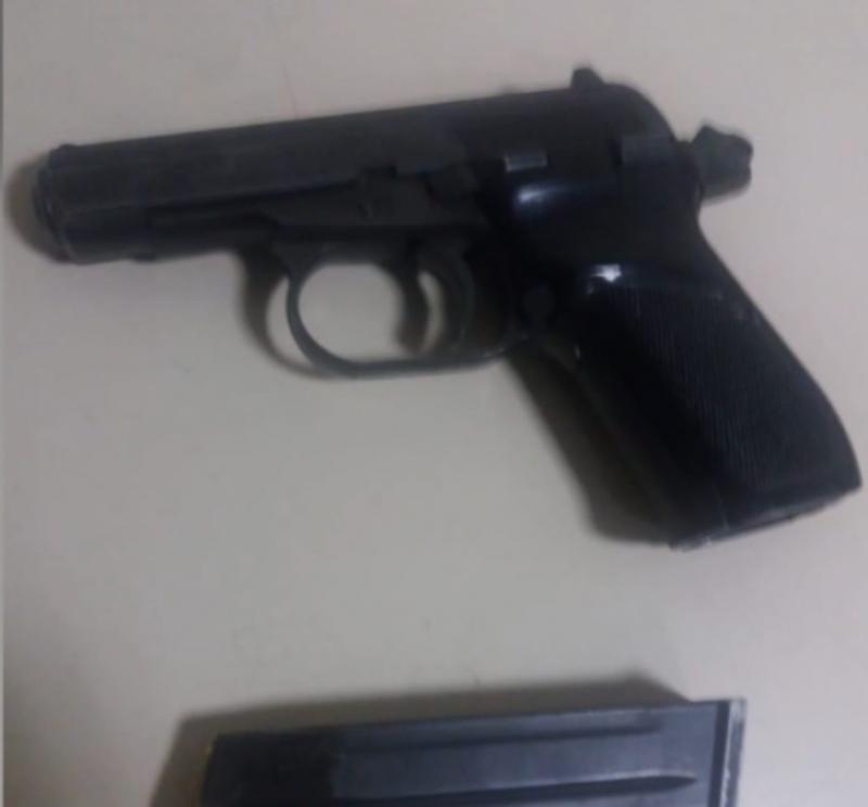 Arrestohen 3 të rinj në Kavajë/ Lëviznin më armë