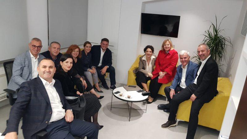 PS-ja mbledh strukturat e Tiranës, ja çfarë pritet të