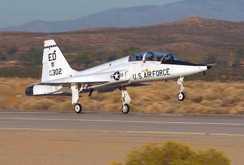 Dy pilotë vdesin në aksident gjatë misionit stërvitor