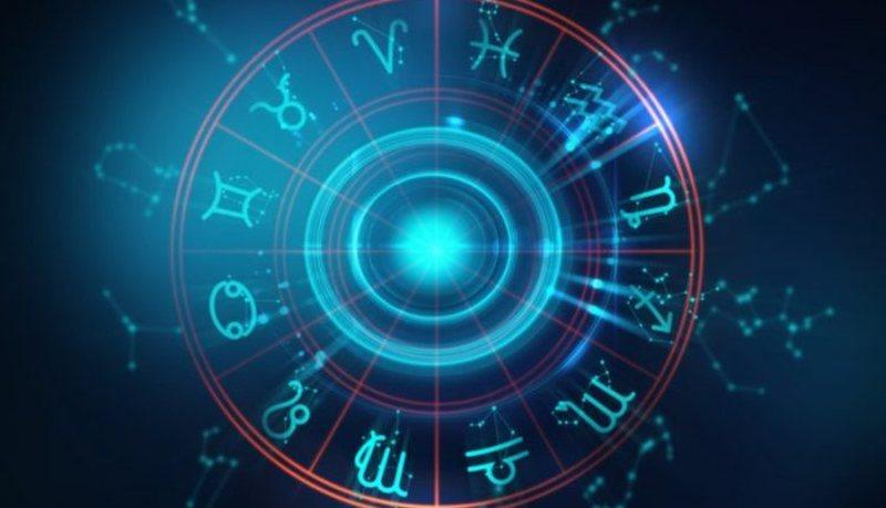 Horoskopi ditor, zbuloni surprizat që kanë rezervuar yjet për ju