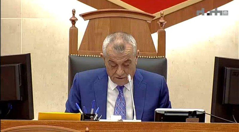Nis Parlamenti/ Opozita mungon sërish