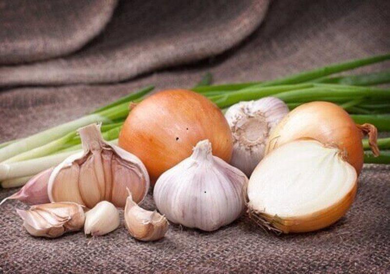 Supë me hudhra dhe qepë, ju ndihmon të forconi imunitetin