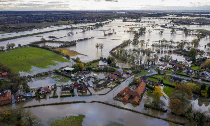 Shënohet rekord reshjesh në Britani të Madhe