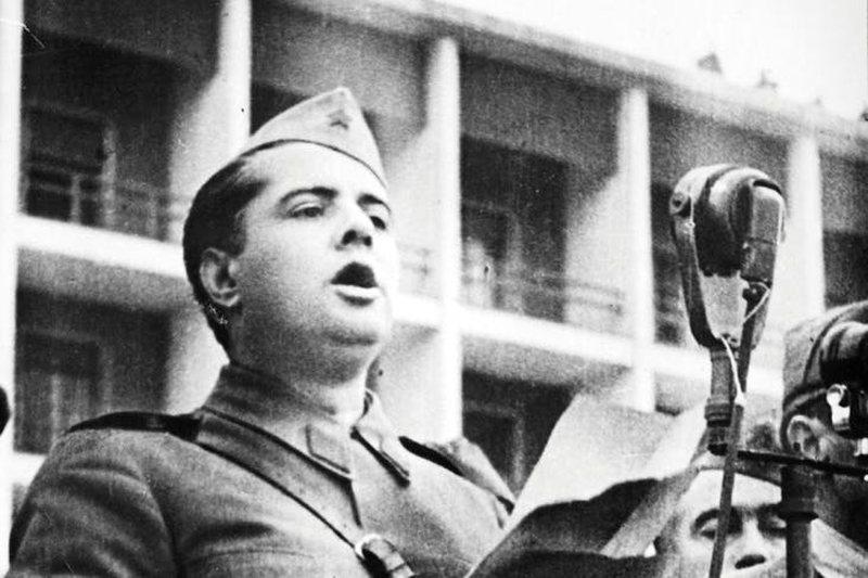 Zbardhet dokumenti, ja si SHBA nisi sulmet ndaj Hoxhës më 1946: