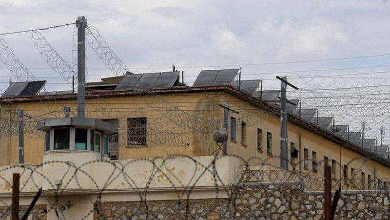 Arrestohet punonjësi i burgut të Rrogozhinës  (EMRI)