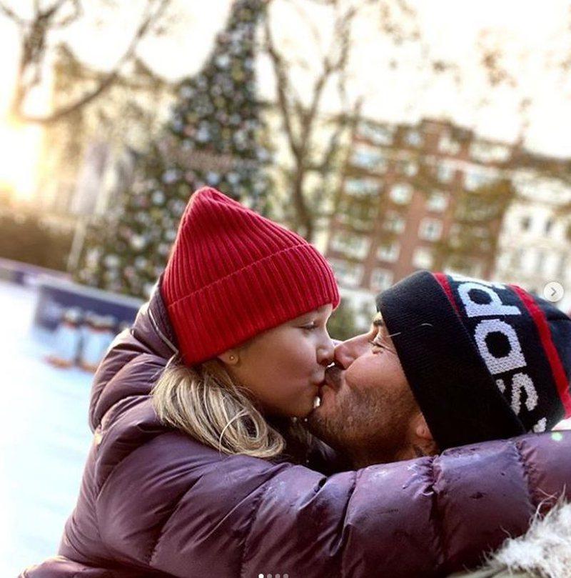 Puthja në buzë prind-fëmijë? Dy arsye të forta që