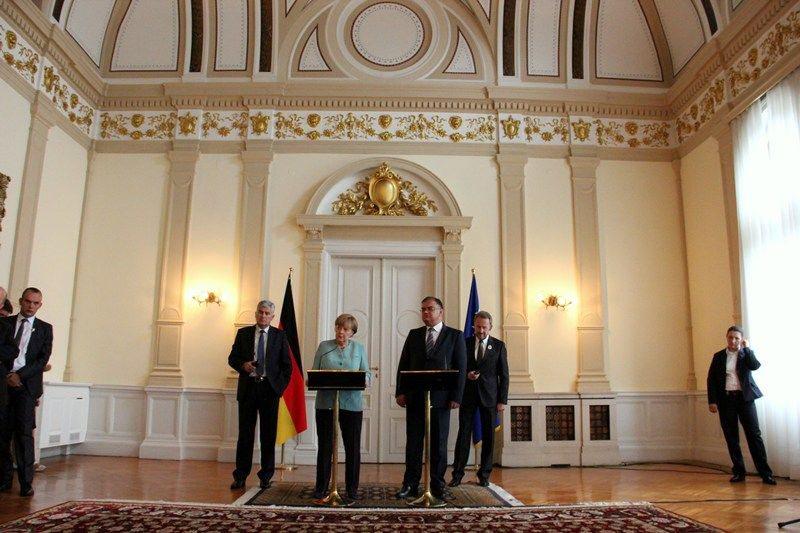 Merkel nga Bosnja: Problemet e vendit tuaj shumë të komplikuara,