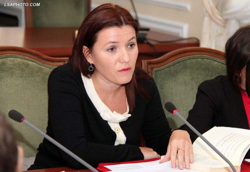 9 deputetët bënë kërkesë për seancë