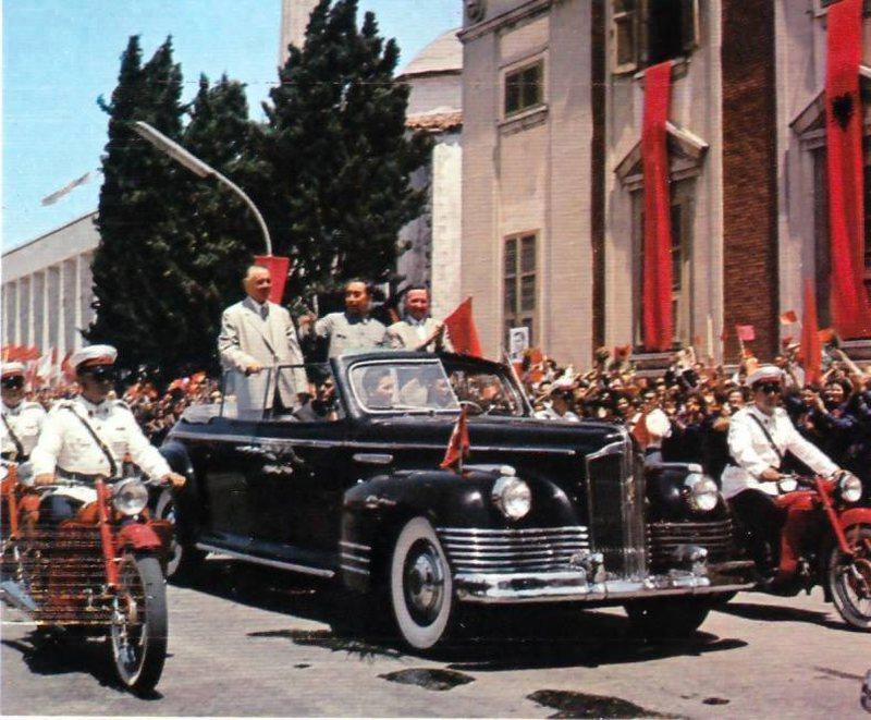 Ja si Enver Hoxha filloi spastrimet në qeveri pas rënies së