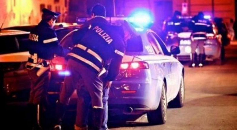 Vidhnin flori, sende me vlerë dhe makina, arrestohen dy shqiptarët