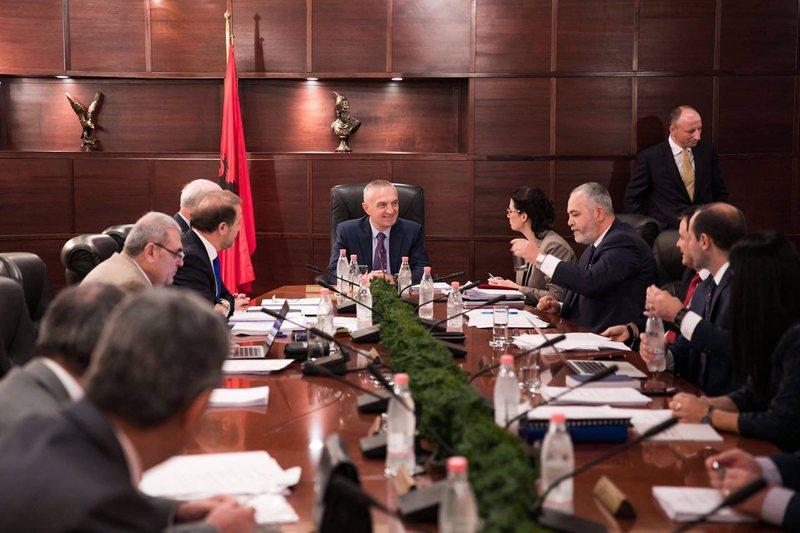 Reforma në drejtësi përplas Kuvendin me Presidencën, Ilir