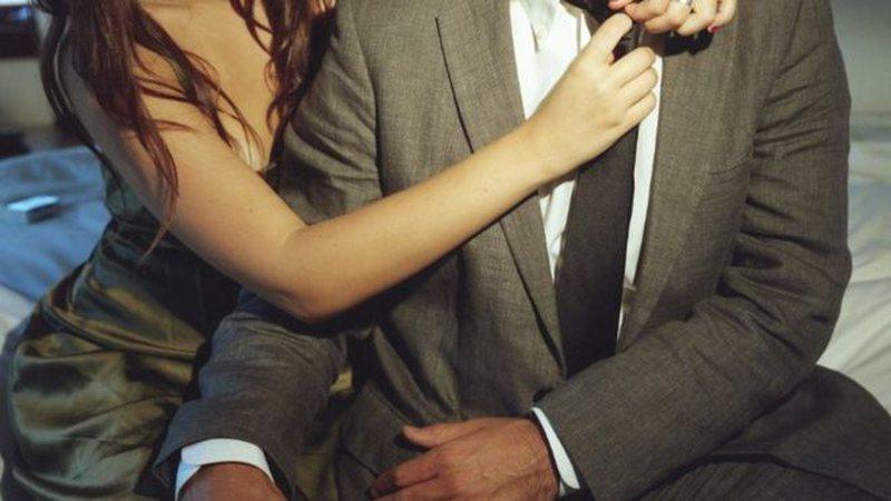 Pësoi atak kardiak gjatë seksit, kompania shpallet fajtore për