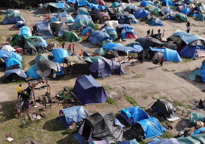 Francë, bamirësitë: Situata në kampin e Calais pranë