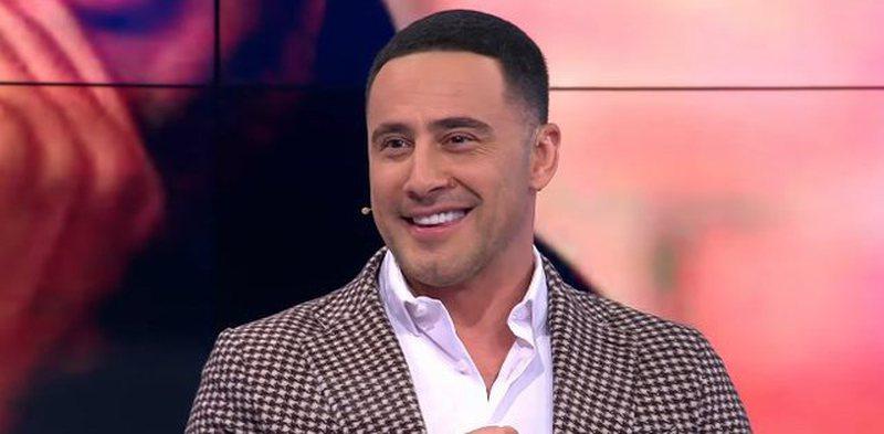 """""""Se besoj që ka shqiptar që nuk e ka një"""", Robert"""