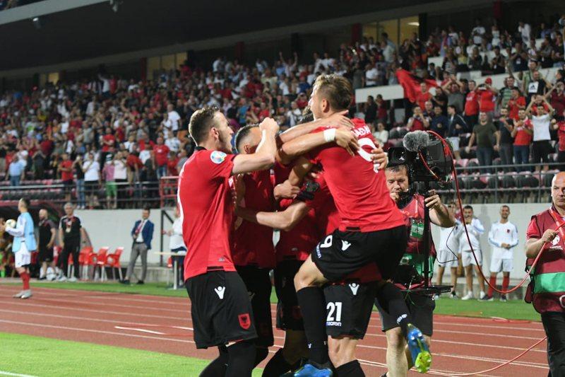 Çfarë goli në minutat shtesë! Shqipëria mposht