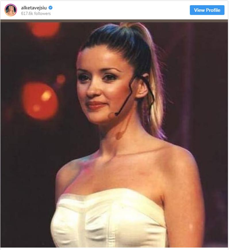 Alketa kthehet 15 vite pas dhe ndan këto foto me fansat e saj