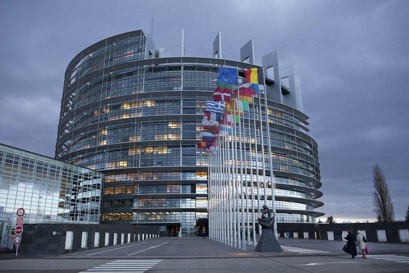 Komisioni Evropian reagon për herë të parë për vendimin
