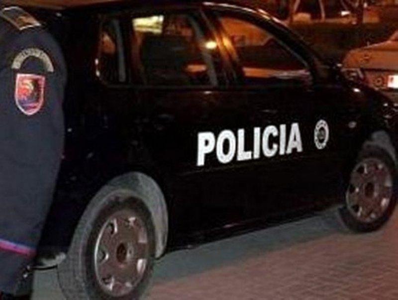Aksident i frikshëm në Tiranë, makina përfundon e