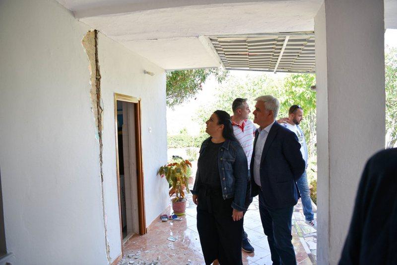 Tërmeti/ Sistemohen dy të moshuar me nipërit në Vorë,
