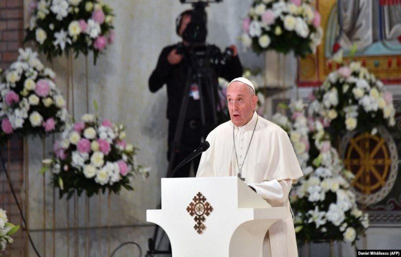 Papa Françesku kërkon që fëmijëve t`iu sigurohet